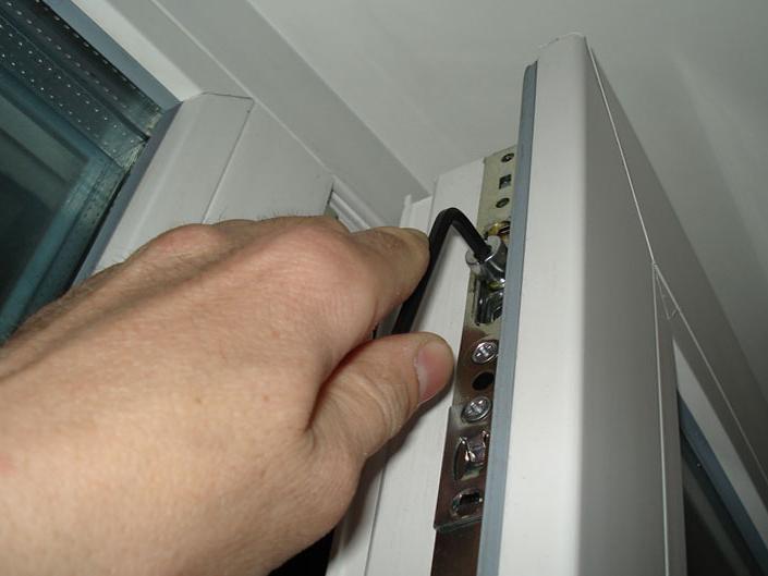 Регулировка фурнитуры окна ПВХ