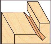 Технологический паз в створке деревянного окна
