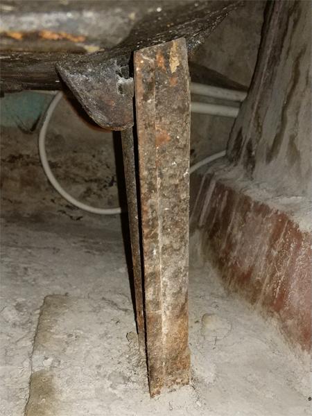Ножка для чугунной старой ванны №9 вид сбоку