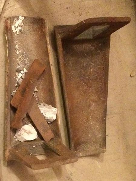 Ножка №4 устанавливается на ванну на первом фото здесь