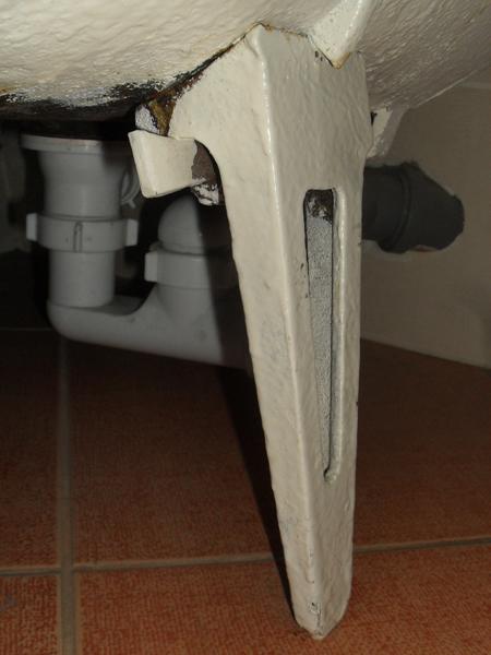 Ножка для чугунной ванны самая распространённая в СССР после 70х годов